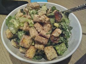 Salát s krutonky